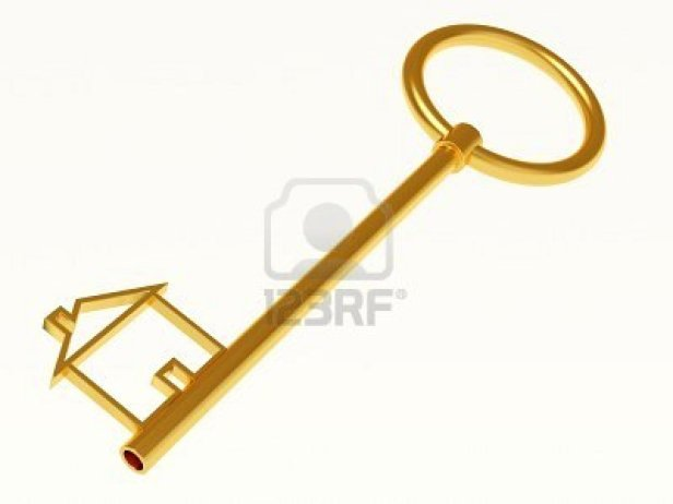 8960918-gold-key-on-white-background